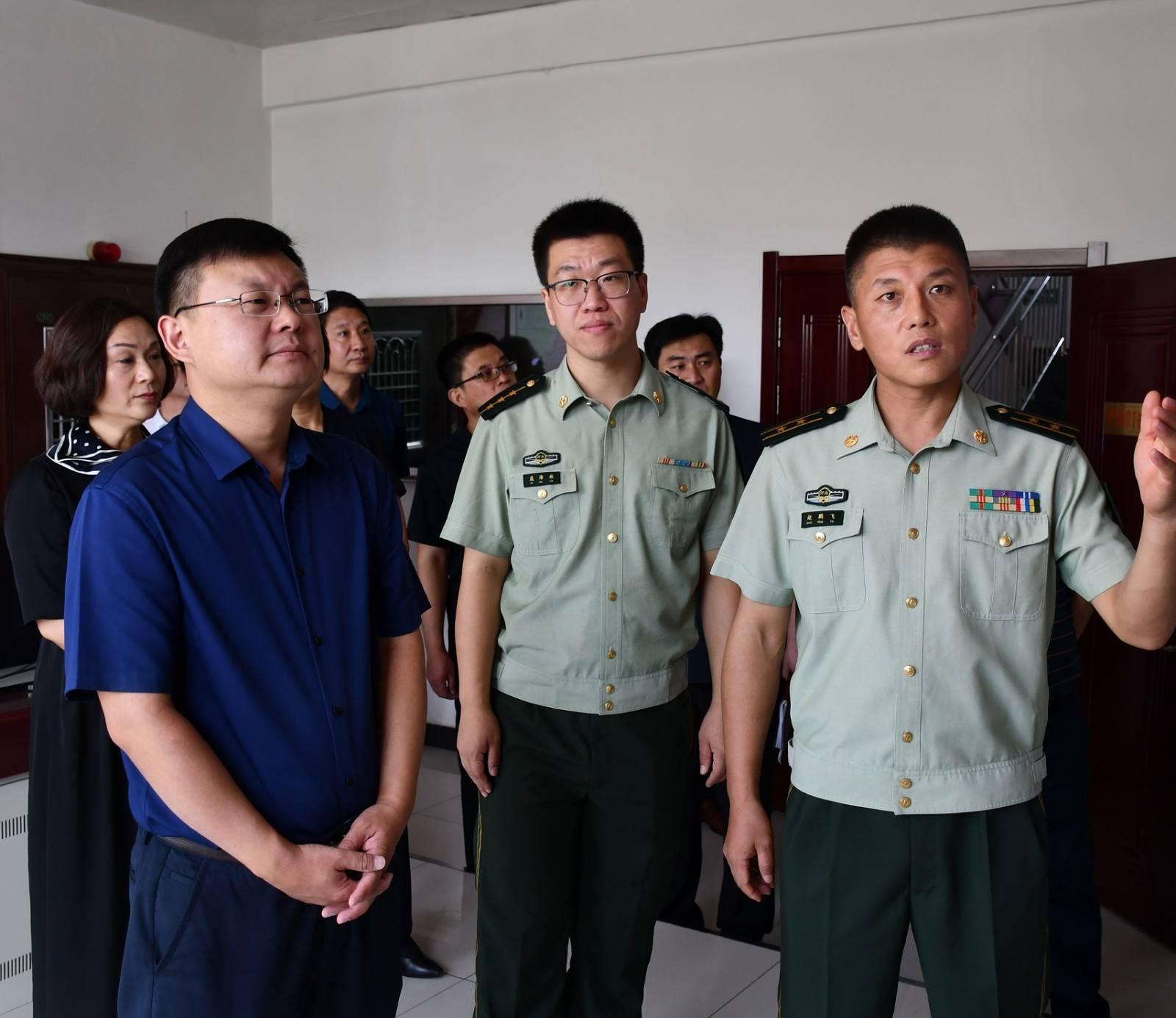 """朱继坤市长""""八一""""前夕走访慰问武警中队官"""